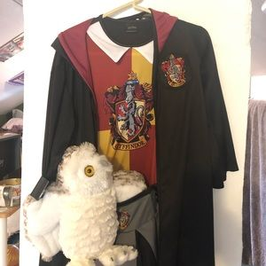 Gryffindor complete Harry Potter costume with Owl